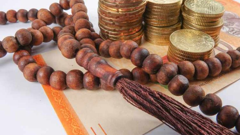 Islamic currency and prayer beads